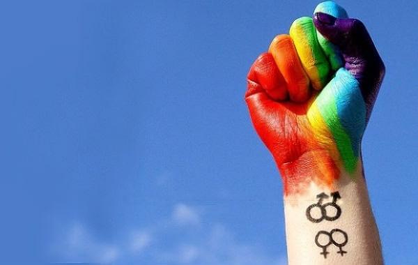 Ούρσουλα φον ντερ Λάιεν: «Ντροπή» ο ουγγρικός νόμος που απαγορεύει την «προώθηση» της ομοφυλοφιλίας στους ανηλίκους | tovima.gr