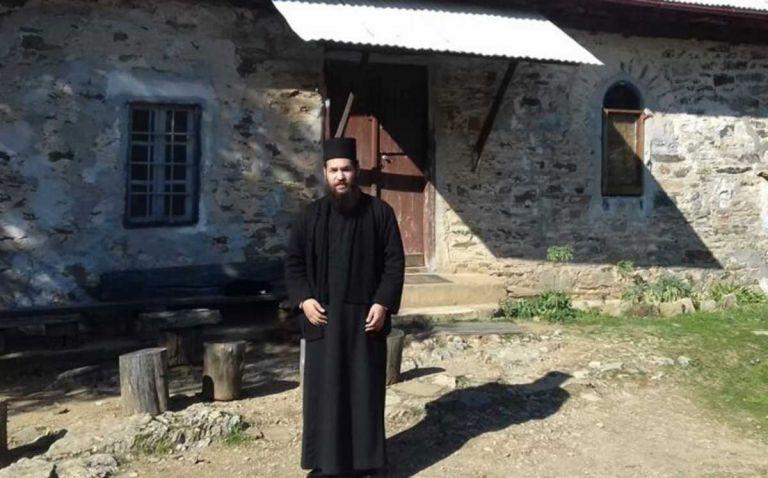 Μονή Πετράκη: «Μας ράντισε με δύο λίτρα καυστικό υγρό» – Η συγκλονιστική μαρτυρία του μητροπολίτη Καλλίνικου στο MEGA | tovima.gr