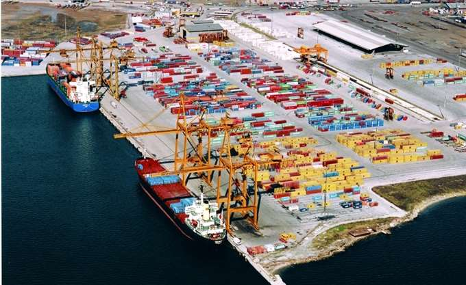 Giant containerships will dock at Thessaloniki port   tovima.gr