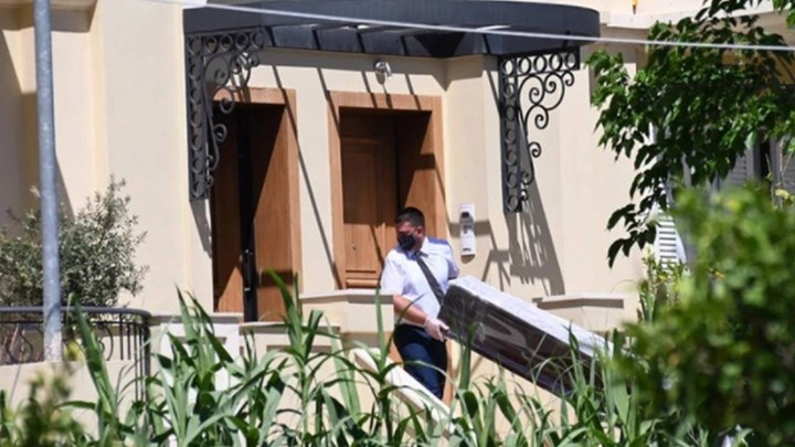 Γλυκά Νερά:  «Ο δολοφόνος απαίτησε από τη μητέρα της Καρολάιν να πληρώσει το φέρετρο»   tovima.gr