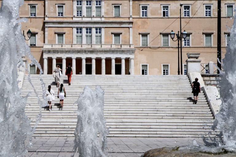 Κορωνοϊός : 362 νέα κρούσματα και 8 θάνατοι – Στους 215 οι διασωληνωμένοι | tovima.gr
