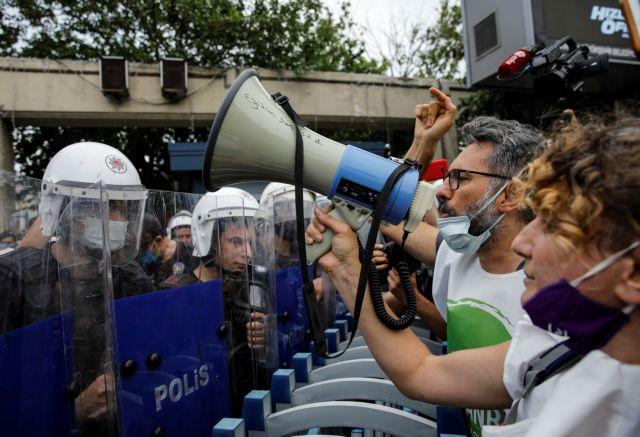 «Όχι» των Τούρκων στο σχέδιο Ερντογάν για τη διώρυγα καθώς βαθαίνει η οικονομική κρίση   tovima.gr