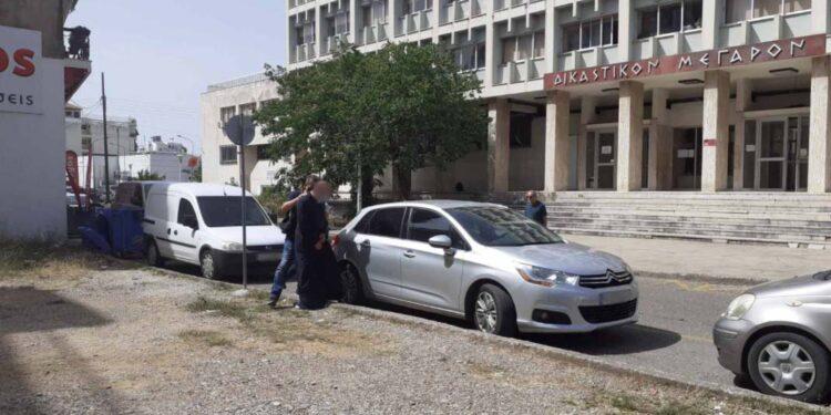 Αγρίνιο: Προφυλακιστέος ο ιερέας που καταγγέλλεται για βιασμό ανήλικης   tovima.gr