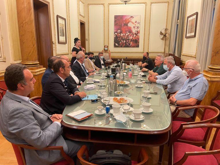 «Υποσχέσεις και δεσμεύσεις» περιλαμβάνει η νέα σύμβαση ΓΣΕΕ – εργοδοτών   tovima.gr