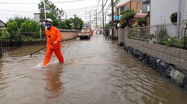 Ιαπωνία:  Κατολισθήσεις μετά από σφοδρές βροχοπτώσεις – Δεκάδες αγνοούμενοι | tovima.gr