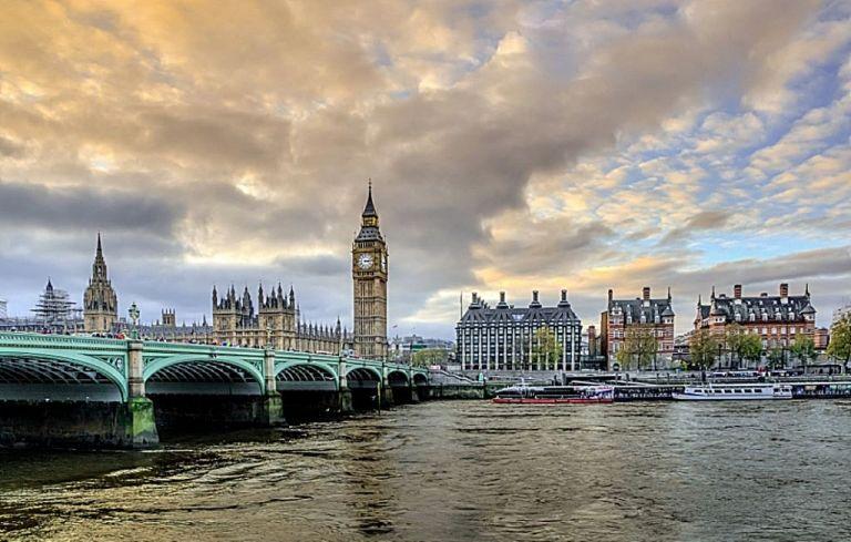 Βρετανία: Οι γιατροί θέλουν να διατηρηθούν μέτρα κατά του κορωνοϊού και μετά τη 19η Ιουλίου | tovima.gr