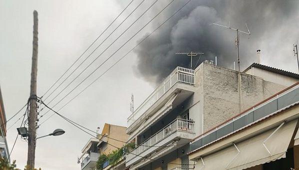 Tραγωδία στη Θεσσαλονίκη: Νεκρός ο άνδρας που έβαλε φωτιά στο σπίτι του και πυροβολούσε με καραμπίνα   tovima.gr