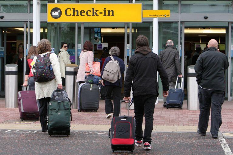 Γερμανία: Επίθεση με μαχαίρι στο αεροδρόμιο του Ντίσελντορφ   tovima.gr
