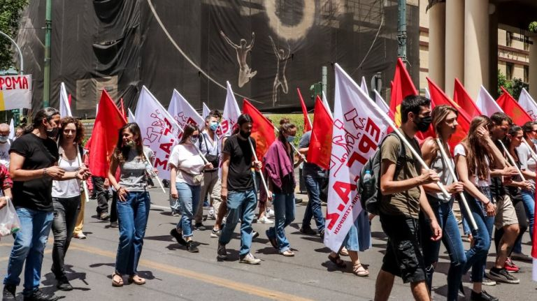 Challenges in enforcing new labour law | tovima.gr
