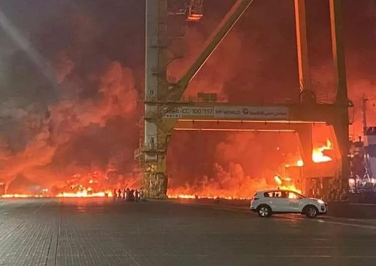 Ντουμπάι: Τεράστια έκρηξη – Εικόνες που κόβουν την ανάσα | tovima.gr