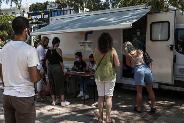 Τζανάκης: Όλοι οι ανεμβολίαστοι θα νοσήσουν – 3.000 κρούσματα ημερησίως την επόμενη εβδομάδα | tovima.gr