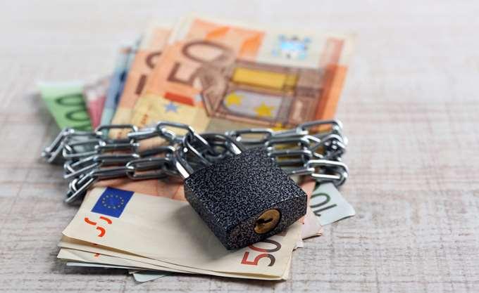 Εφορία: Έρχεται ο ακατάσχετος λογαριασμός για συνεπείς οφειλέτες – Πώς «χτίζεται» | tovima.gr