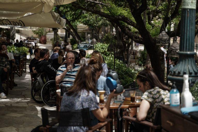 Κορωνοϊός: Πρόστιμα 174.400 ευρώ για παραβίαση των μέτρων | tovima.gr