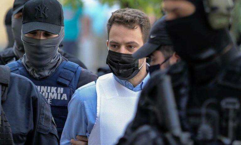 Φυλακές Κορυδαλλού: Ο ιερέας με το βιτριόλι εξομολόγησε τον δολοφόνο της Καρολάιν | tovima.gr