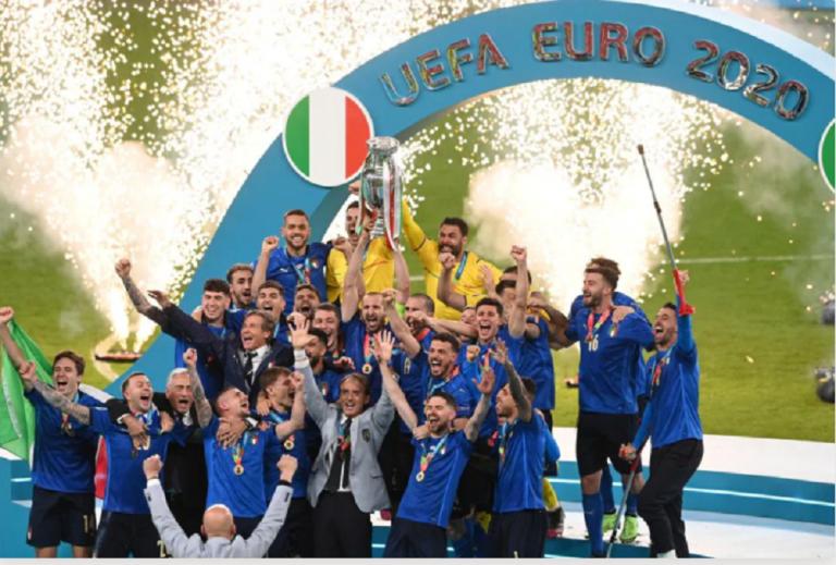 Η απονομή της Πρωταθλήτριας Ευρώπης Ιταλίας | tovima.gr