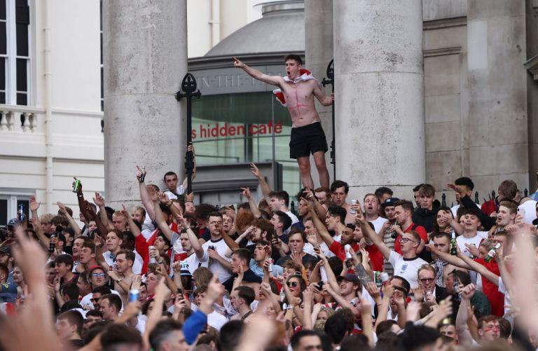 Γουέμπλεϊ: Εισβολή οπαδών χωρίς εισιτήρια λίγο πριν την σέντρα του τελικού | tovima.gr