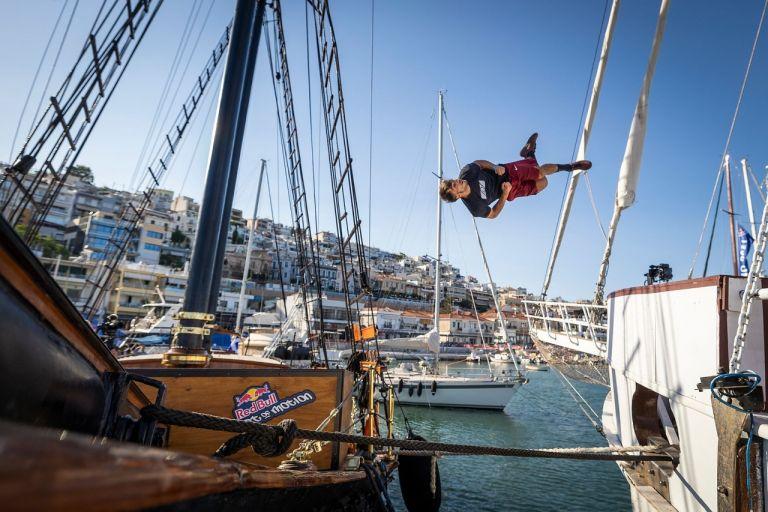 Στο Μικρολίμανο για πρώτη φορά η παγκόσμια αθλητική διοργάνωση «Red Bull Art of Motion» | tovima.gr