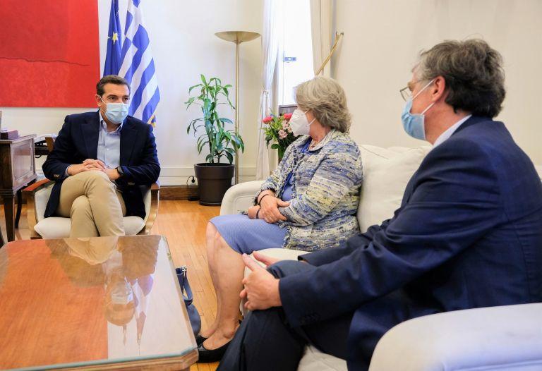 Αλέξης Τσίπρας: Έκκληση στους πολίτες να αγνοήσουν τον διχαστικό λόγο του κ. Μητσοτάκη και να εμβολιαστούν | tovima.gr