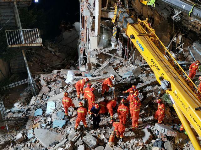 Κατάρρευση ξενοδοχείου στην Κίνα: 8 νεκροί και 9 αγνοούμενοι | tovima.gr