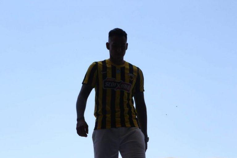 ΑΕΚ: Φόρεσε την «κιτρινόμαυρη» ο Αραούχο | tovima.gr