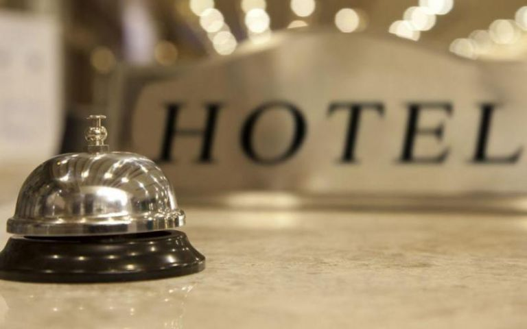 Hoteliers to Theocharis: Quarantine hotels are not hospitals   tovima.gr