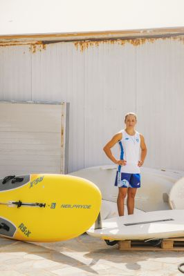 Κατερίνα Δίβαρη: Το κορίτσι και η θάλασσα | tovima.gr
