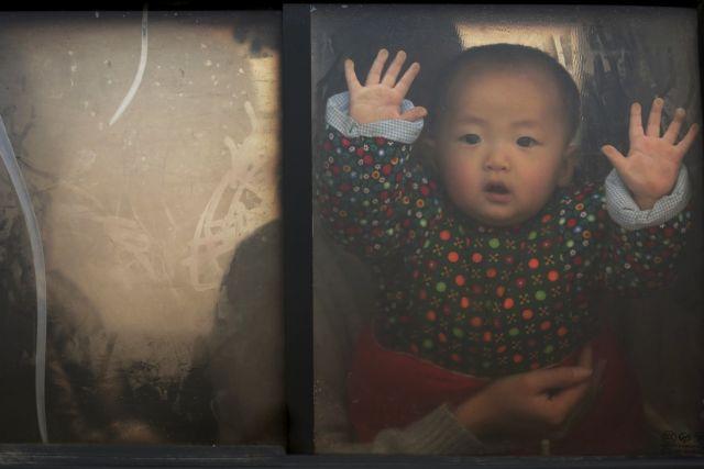 Κίνα: Τέλος στον περιορισμό παιδιών ανά οικογένεια   tovima.gr