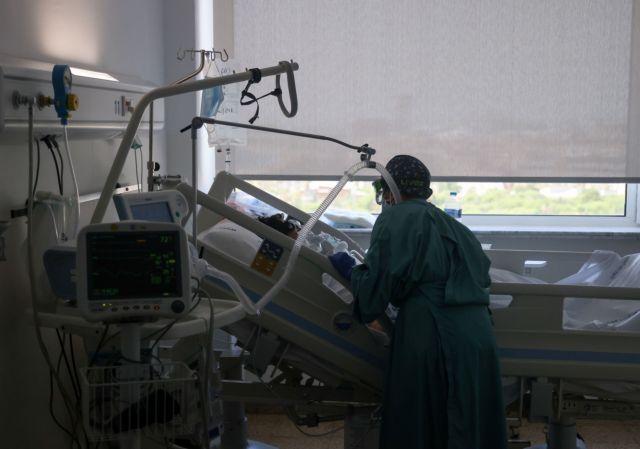 Κορωνοϊός: Οι σειρήνες των ασθενοφόρων ηχηρό μήνυμα στους ανεμβολίαστους – Πορτοκαλί συναγερμός στο ΕΣΥ | tovima.gr