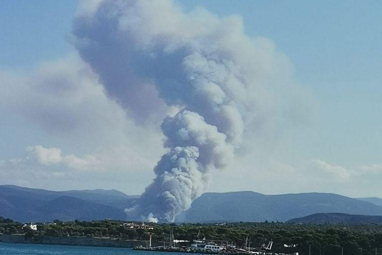 Mεγάλη πυρκαγιά στην Άνω Αλμυρή Κορινθίας – Μήνυμα του 112 για εκκένωση οικισμού   tovima.gr