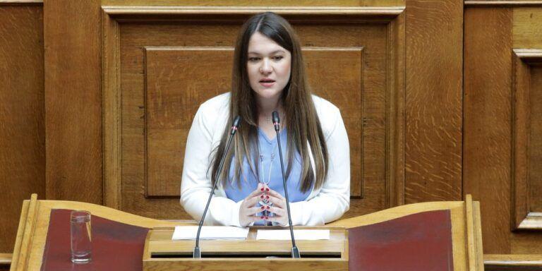 ΜέΡΑ25: Ανεξαρτητοποιήθηκε η βουλευτής Κωνσταντίνα Αδάμου   tovima.gr