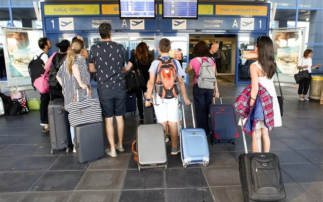 Reservations in tourism at 60% of 2019 levels   tovima.gr