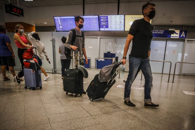ΥΠΑ: Και με self test θα ταξιδεύουν οι επιβάτες από 12 έως 17 ετών προς τα νησιά | tovima.gr