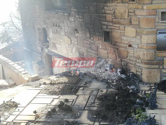Πάτρα: Στο έλεος της φωτιάς σπίτια – Οι πρώτες εικόνες | tovima.gr