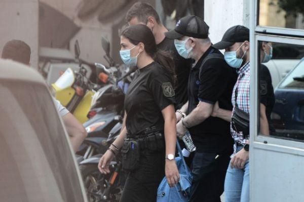 Σοκαρισμένος ο Πέτρος Φιλιππίδης στις φυλακές – Πρώτη νύχτα σε καραντίνα | tovima.gr