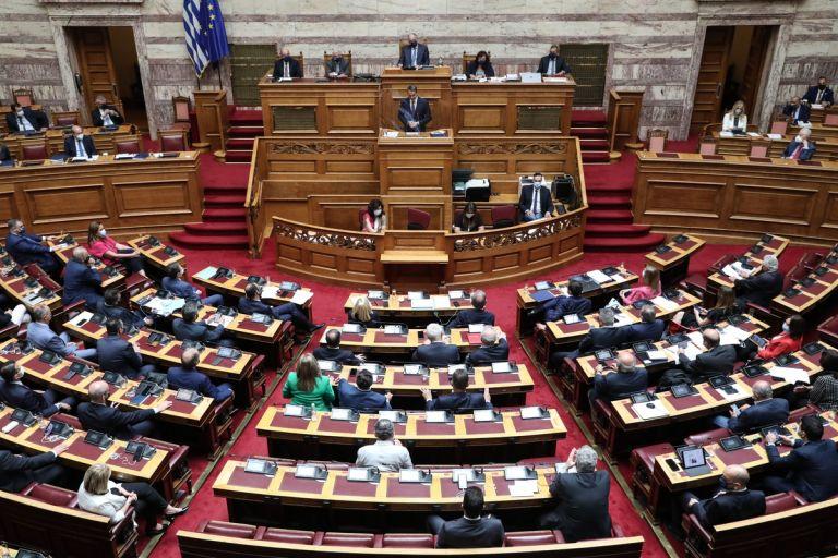 Μετωπική των πολιτικών αρχηγών στη Βουλή για τις πυρκαγιές | tovima.gr