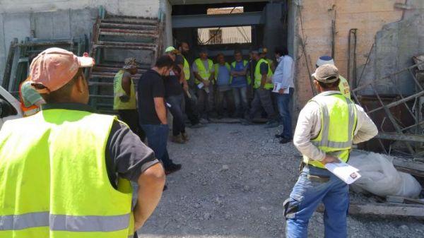 Καύσωνας: Έρχονται ανακοινώσεις για τους εργαζομένους – Δράσεις και προστασία ζητούν οι οικοδόμοι και οι διανομείς σε όλη τη χώρα   tovima.gr