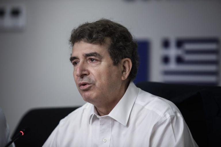 Χρυσοχοΐδης – Δύσκολη η φωτιά στην Αχαΐα – Είμαστε σε κινητοποίηση | tovima.gr