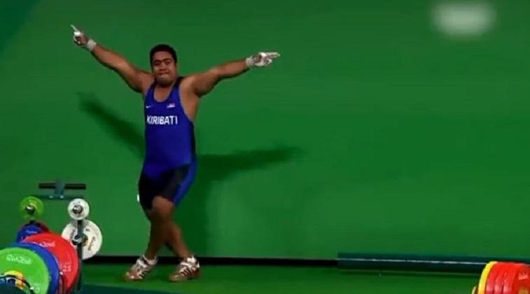 Ολυμπιακοί Αγώνες – Αρσιβαρίστας χορεύει μετά την προσπάθειά του και αποθεώνεται   tovima.gr