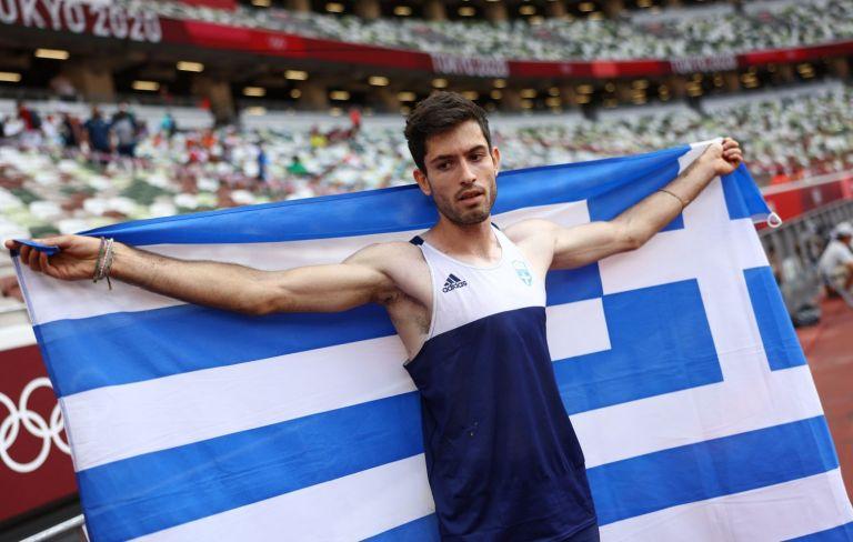 Μίλτος Τεντόγλου – Ποιος είναι ο «χρυσός» Έλληνας αθλητής που τρέλανε τον πλανήτη | tovima.gr