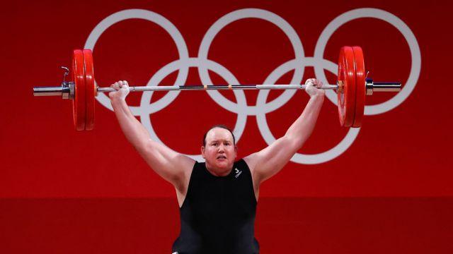 Ολυμπιακοί Αγώνες Τόκιο – Η αμφιλεγόμενη πρωτιά της διεμφυλικής Λόρελ Χάμπαρντ   tovima.gr