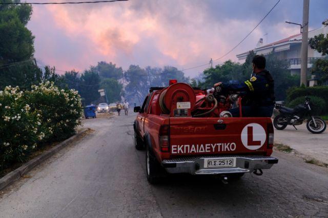 Φωτιά στη Βαρυμπόμπη – Νέος συναγερμός στην Πυροσβεστική – Έντονες αναζωπυρώσεις ΤΩΡΑ στις Αδάμες   tovima.gr