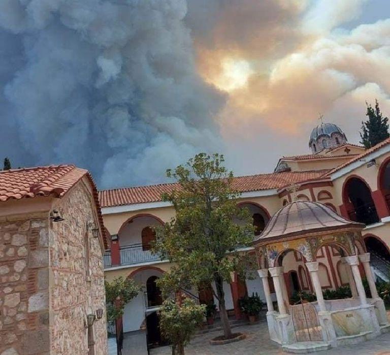 Εύβοια – Η φωτιά κύκλωσε αλλά δεν κατέστρεψε το μοναστήρι του Οσίου Δαυίδ   tovima.gr