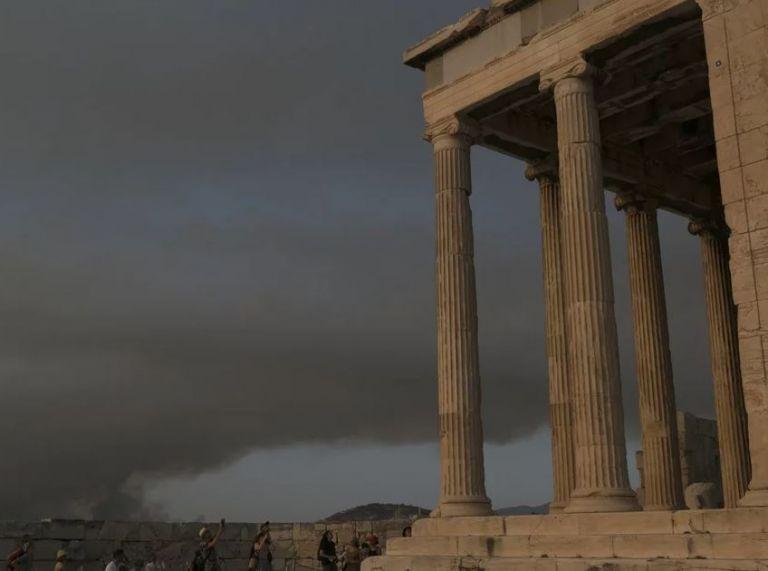 Φωτιά στη Βαρυμπόμπη – «Πνίγεται» στους καπνούς η Αττική – Από τις Αχαρνές μέχρι το Φάληρο   tovima.gr