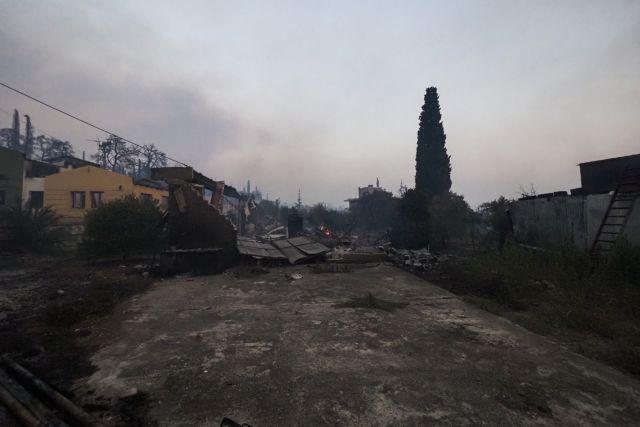 Βόρεια Εύβοια – Τρεις πυροσβέστες στο νοσοκομείο με εγκαύματα | tovima.gr