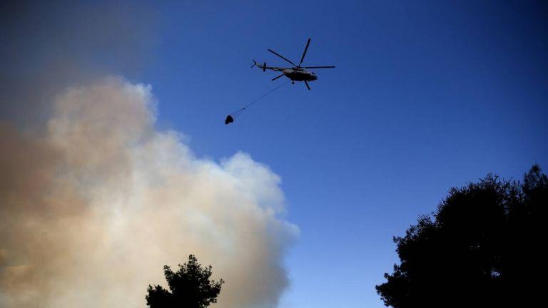 Φωτιά στο Μαρτίνο Φθιώτιδας – Μάχη για να μην επεκταθεί προς την Εθνική   tovima.gr