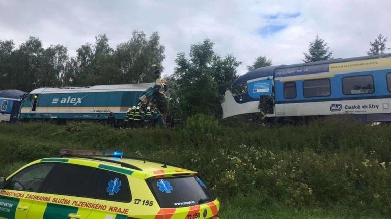Τσεχία – Σύγκρουση τρένων με 2 νεκρούς και πολλούς τραυματίες | tovima.gr