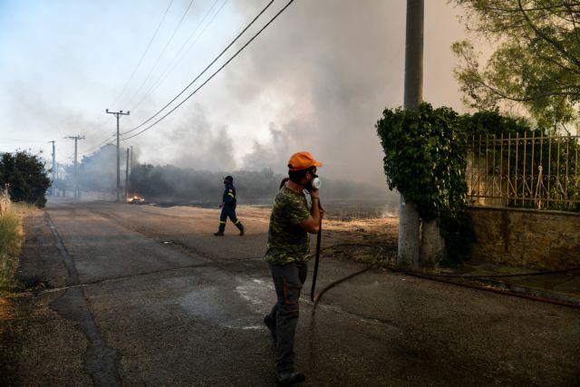 Σε πύρινο κλοιό η Αττική – Ανεξέλεγκτη η φωτιά – Live εικόνα από το πύρινο μέτωπο   tovima.gr