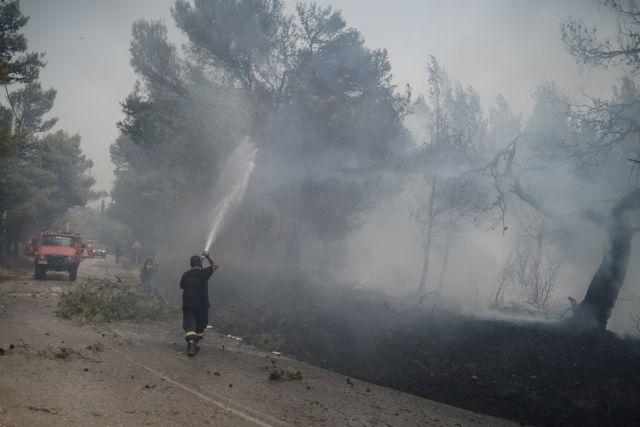 Φωτιά στη Βαρυμπόμπη – Τρία νέα ενεργά μέτωπα – Συνεχή μηνύματα από το 112 | tovima.gr