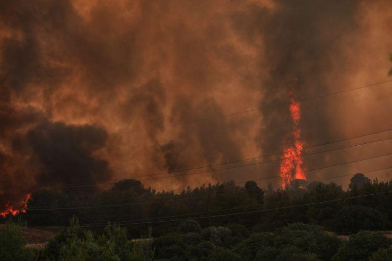 Αυξημένη ετοιμότητα από το ΕΚΑΒ για τις πυρκαγιές | tovima.gr