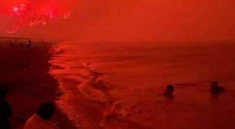 Φωτιά στην Εύβοια – Απόκοσμη φωτογραφία με την παραλία της Αγίας Άννας «πνιγμένη» στο κόκκινο της φωτιάς   tovima.gr